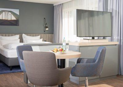 Apartment Hotel Lyskirchen Koeln Sitzbereich und TV